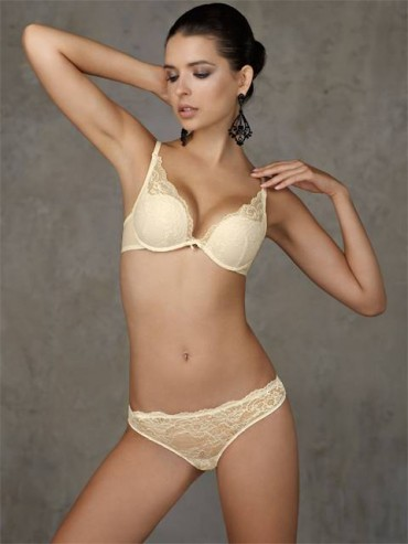 Трусы женские Amore a prima vista BASIC LACE 29221 String